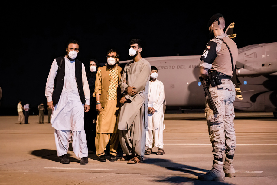 Afghan refugee families arrive at the Torrejón de Ardoz military base in Madrid. The first 53 people evacuated from Afghanistan managed by the Spanish government arrived in Madrid. The flight that left Kabul, made a stopover in Dubai and later landed at the Spanish military base in Torrejón de Ardoz, carrying five Spaniards and 48 Afghan refugees, including 10 minors. All the people were cared for by Red Cross personnel, passed a health protocol with a PCR test and later requested asylum. More people are expected to return in the coming days.