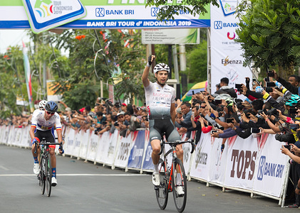 Jeroen Meijers (NED) from Taiyuan Miogee Cycling Team celebrates victory after winning the second stage Tour de Indonesia The beginning of second stage Tour de Indonesia starts from Madiun Regency to Batu Regency with a distance of 163.644km.