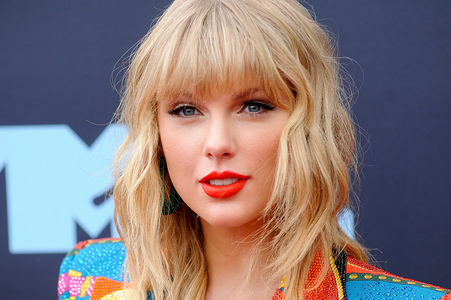 Taylor Swift attends the 2019 MTV Video Music Video Awards held at the Prudential Center in Newark, NJ