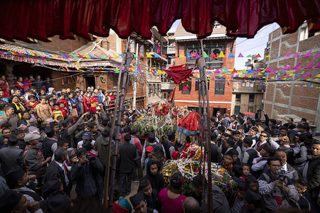 Devotees gather to worship god Indrayani during the festival. Annually, people of Kirtipur celebrate Indrayani Jatra which is a part of Satgaule Jatra. Jatra also symbolizes brotherhood and arrival of winter.