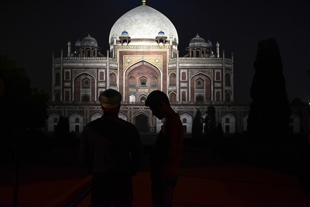 Visitors look at the Humayun Tomb in Delhi. Humayun's tomb (Hindustani: Maqbara-i Humayun) is the tomb of the Mughal Emperor Humayun in Delhi. The Tomb was built in 1570 and is a particular cultural significance as it was the first garden-tomb on the Indian subcontinent. It inspired several major architectural innovations, culminating in the construction of the Taj Mahal.
