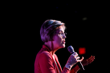 DERRY, UNITED STATES - FEBRUARY 6, 2020: Democratic presidential candidate Senator Elizabeth Warren addresses her supporters in Derry.