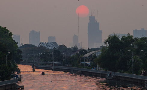 View of the sunset through the smog.