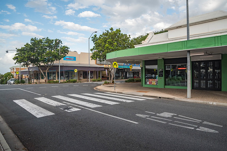 View of a deserted Wynnum Central street. Covid-19 pandemic hits Australian capital cities. Queensland government decides to shut state's borders.