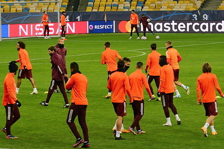 Real Madrid's players warm up during a training session ahead of the UEFA Champions League Group B match between Shakhtar Donetsk and Real Madrid at the Olimpiyskiy stadium.