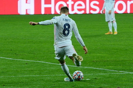 Real Madrid's Toni Kroos, in action during the UEFA Champions' League Group B match between Shakhtar Donetsk and Real Madrid at Olimpiyskiy stadium. (Final Score: Shakhtar Donetsk 2-0 Real Madrid)