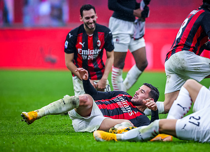 Theo Hernandez of AC Milan celebrates the victory during the Serie A 2020/21 football match between AC Milan and SS Lazio at San Siro Stadium. (Final Score: AC Milan  3 / 2  SS Lazio)