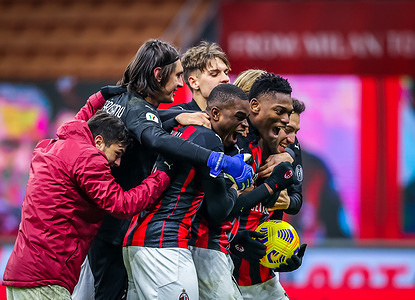 AC Milan players celebrate the victory during the Coppa Italia 2020/21 football match between AC Milan vs Torino FC. AC Milan won 5-4 over Torino FC after penalty shoot-out.