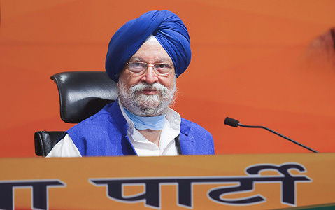 Indian Union Minister for Housing and Urban Affairs and Bharatiya Janata Party senior leader, Hardeep Singh Puri addressing a press conference at the party headquarter.  He told media that Prime Minister, Narendra Modi sanctioned 41 Oxygen Plants in Punjab under the PMCare Fund for selling covid-19 vaccines to private hospitals at profitable prices.
