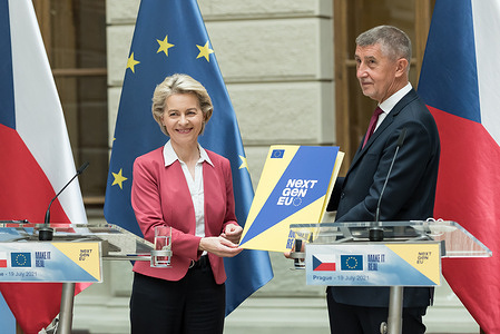 European Commission President Ursula von der Leyen and Czech   prime minister Andrej Babic pose with the Recovery and Resilience Facility document during the press conference related to the presentation of Recovery and Resilience Facility.