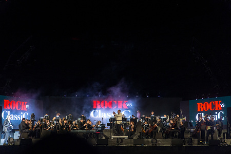 Bill Chamlin, member of the band Chicago, walks onto stage to perform with the Moscow Symphony Orchestra on Jabal Jais Mountain. At a height of 1680 meters above sea level, this is the highest concert ever held in the UAE during the Rock vs. Classic Concert.